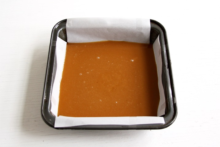 Apple cider caramels baking pan