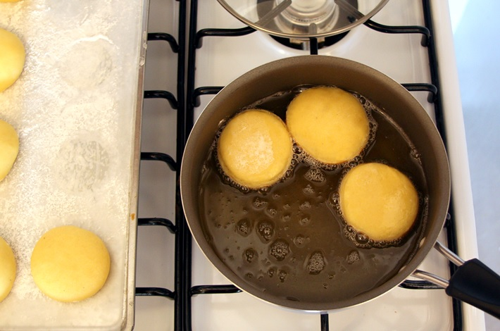Baking Krapfen - Step by step recipe