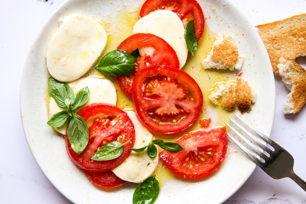 Best Italian Caprese Salad Recipe