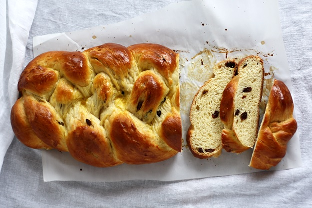 Braided sweet yeast bread