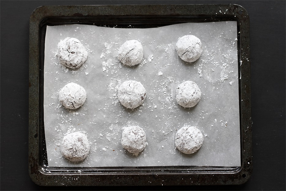 Chocolate Crinkle Cookies dough balls