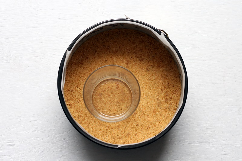 Easy Cheesecake crust recipe