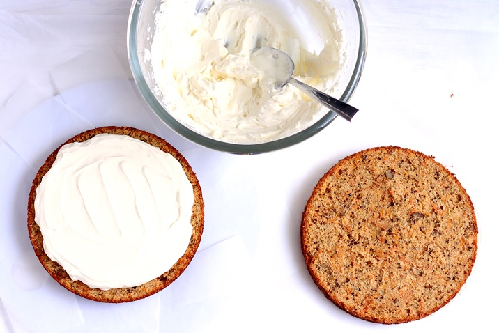 Easy carrot cake with cream cheese frosting recipe