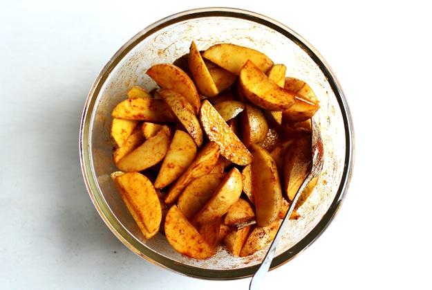 Easy crispy potato wedges recipe