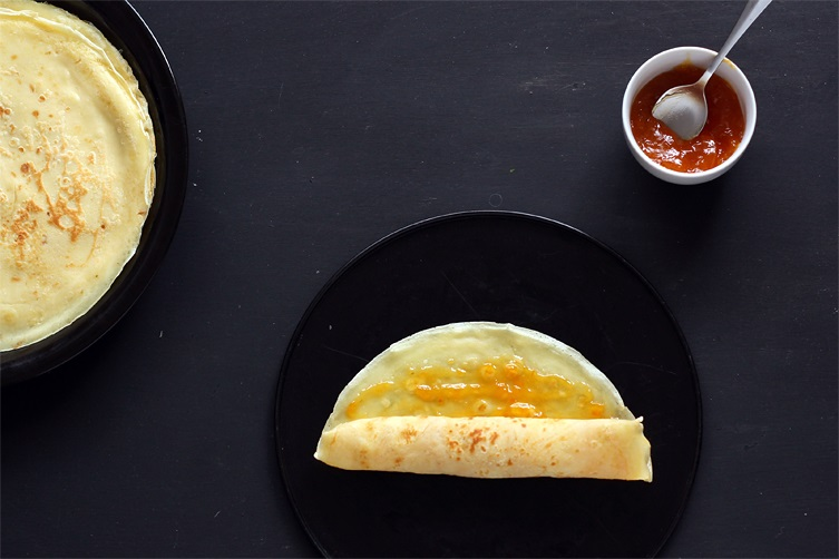 Fill crepes with apricot jam recipe