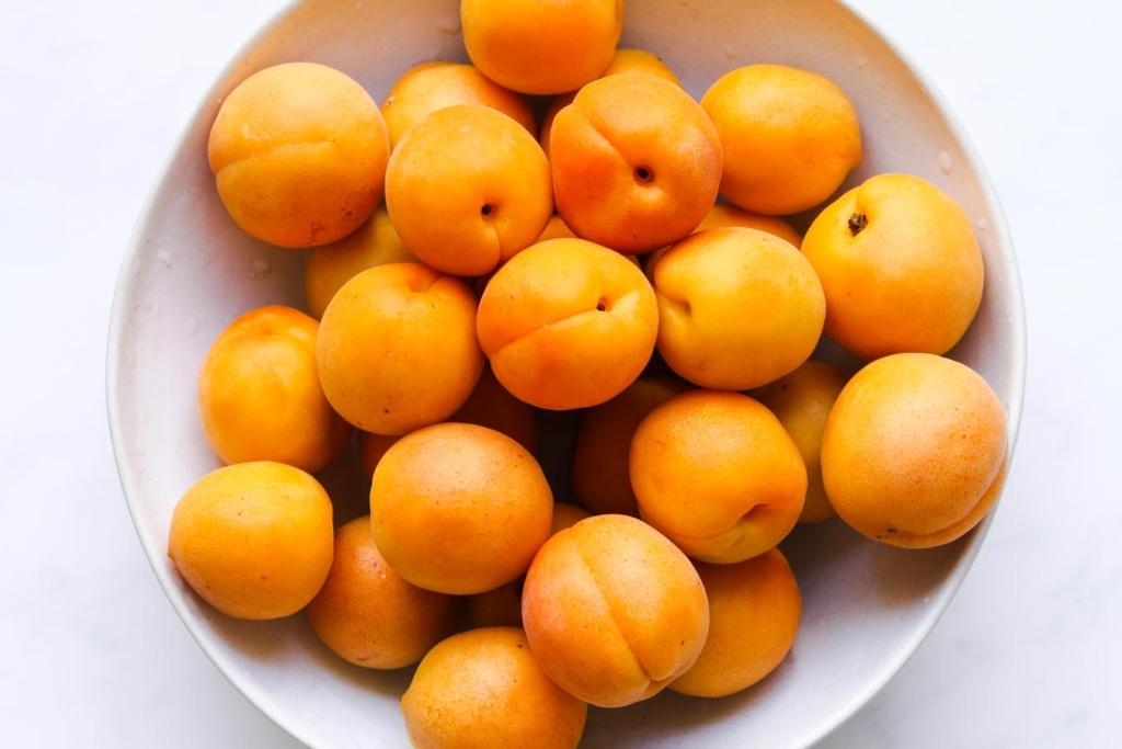 Fresh apricots for sheet cake recipe