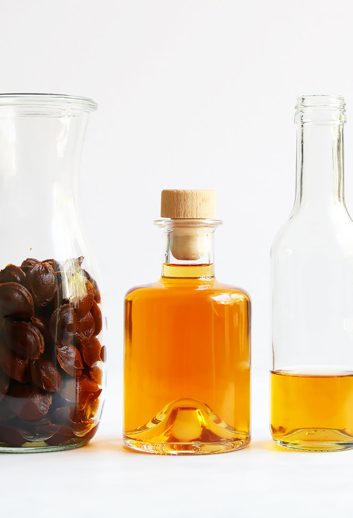 Homemade Amaretto liqueur Italian recipe