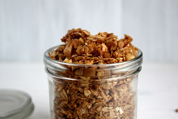 Homemade Walnut Granola