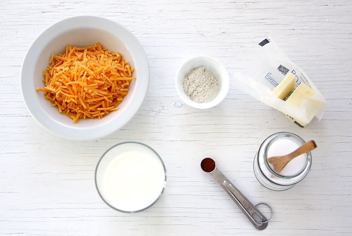 Ingredients for quick cheese dip
