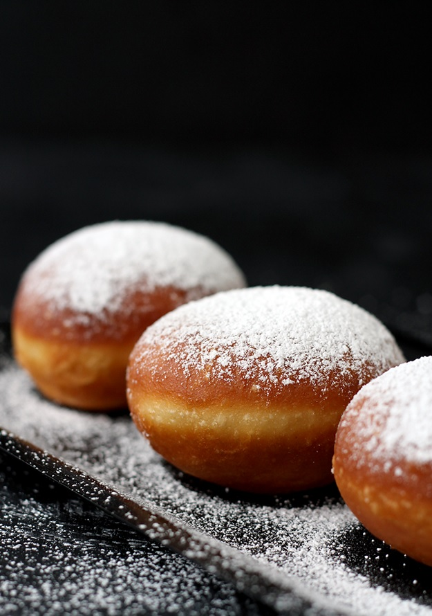 Krapfen Fluffy Doughnuts - Recipe