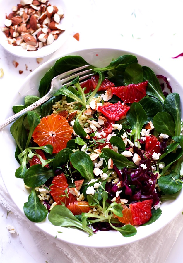 Lamb's lettuce with oranges grains and nuts recipe