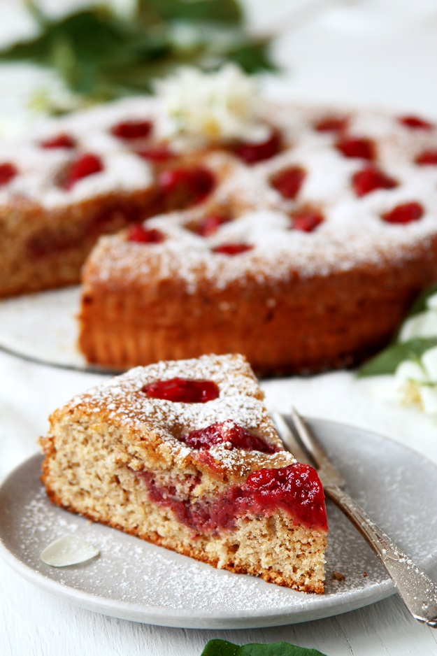 Linzer Torte with Strawberries Recipe