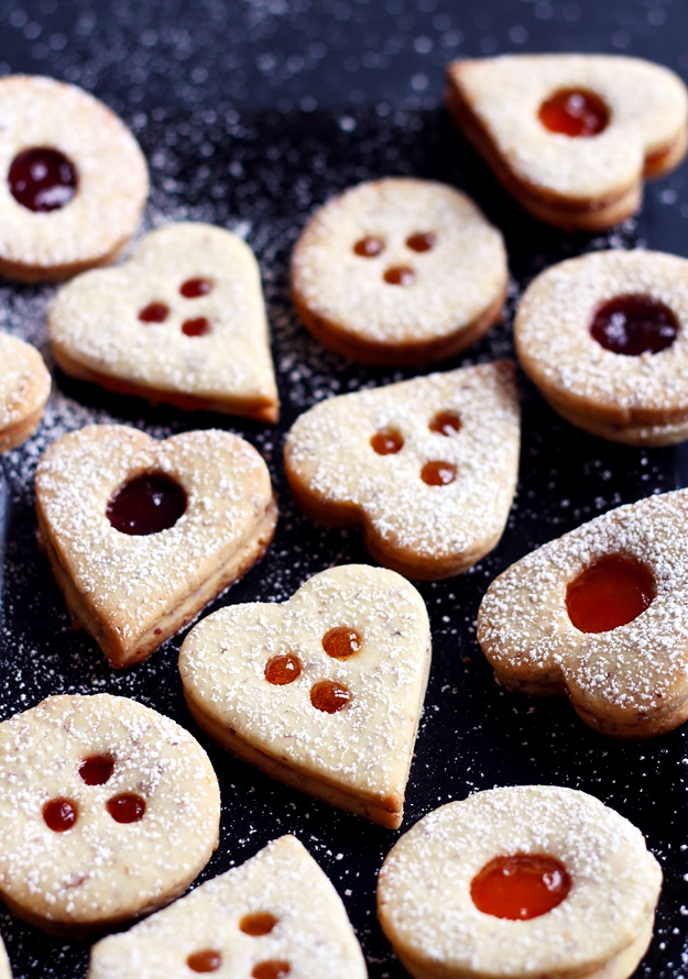 Linzer cookies Austrian recipe