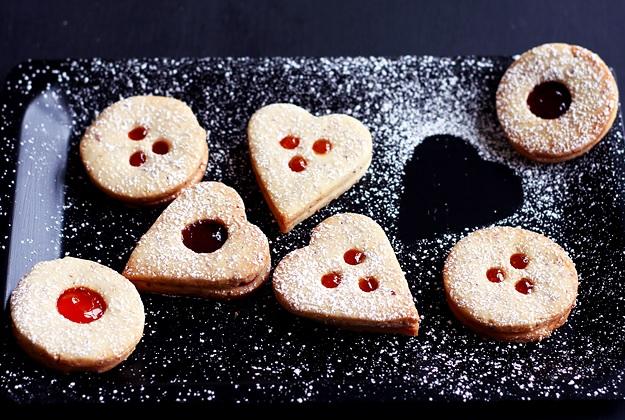 Best Linzer cookies recipe
