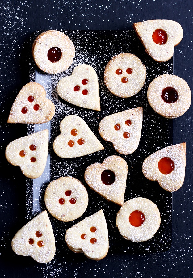 Recipe for the best Linzer cookies