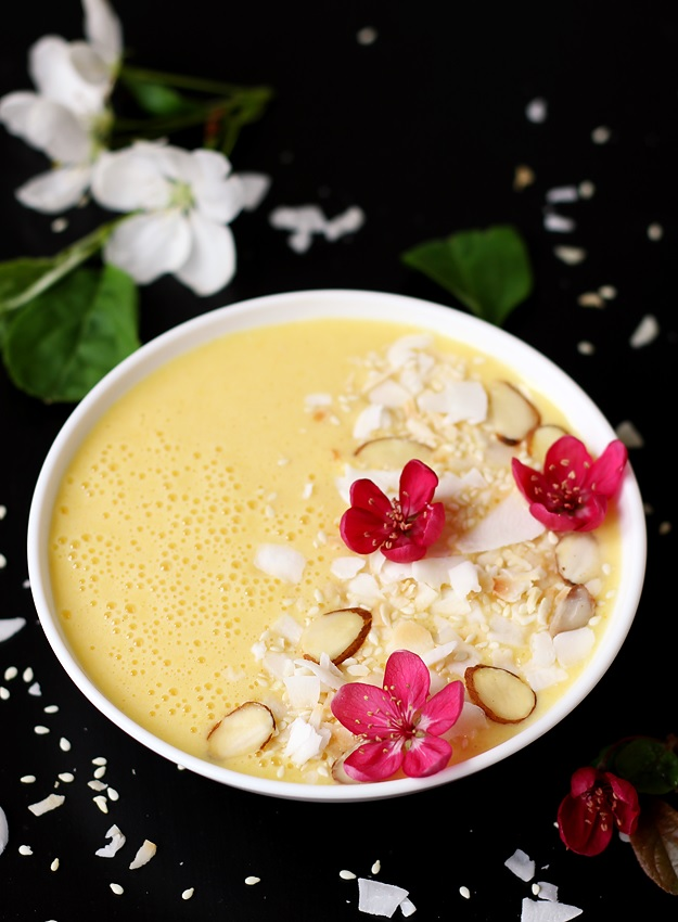 Pineapple Mango Smoothie Bowl Recipe