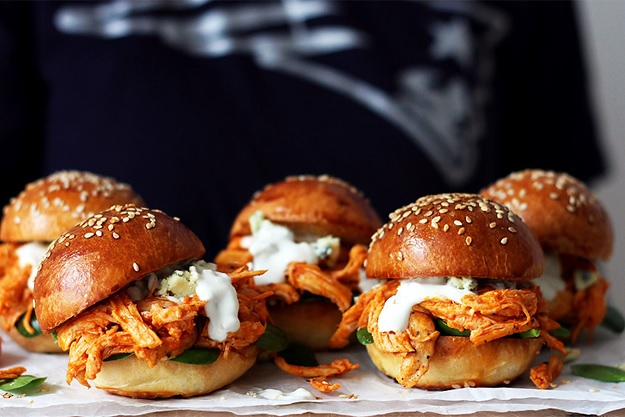 Pulled Buffalo Chicken Sliders Recipe