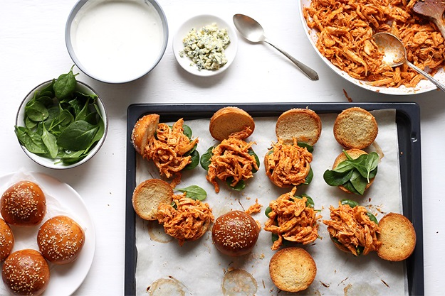Quick Pulled Buffalo Chicken Sliders Recipe