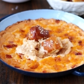 Cheese Dip with Bacon and Beer