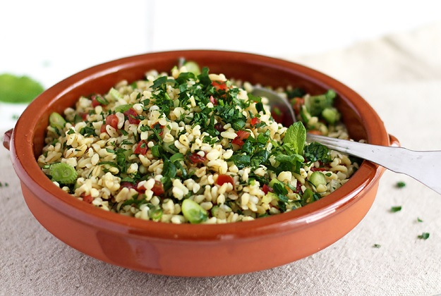 What to bring to a Potluck: Tabbouleh!