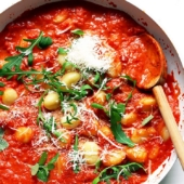 Quick Gnocchi with Tomato Sauce (10 minutes)