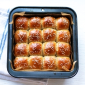 Fluffy Thanksgiving Dinner Rolls