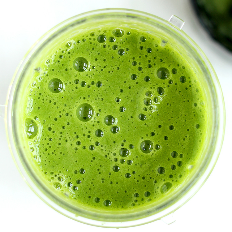 Easy Green Spinach Smoothie