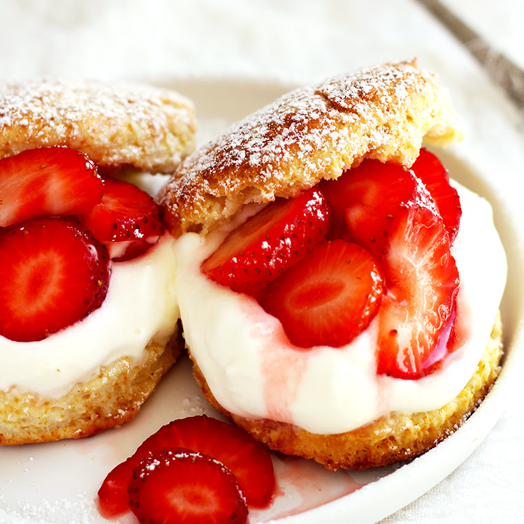 The easiest Strawberry Shortcake