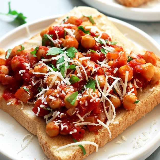 Quick Chickpeas on Toast