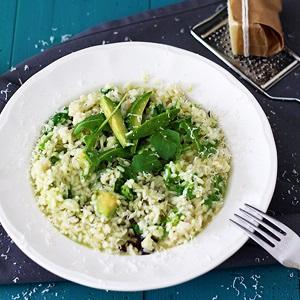 Risotto with avocado and arugula recipe