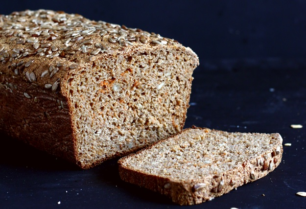 Rye sourdough bread with sunflower seeds and carrots