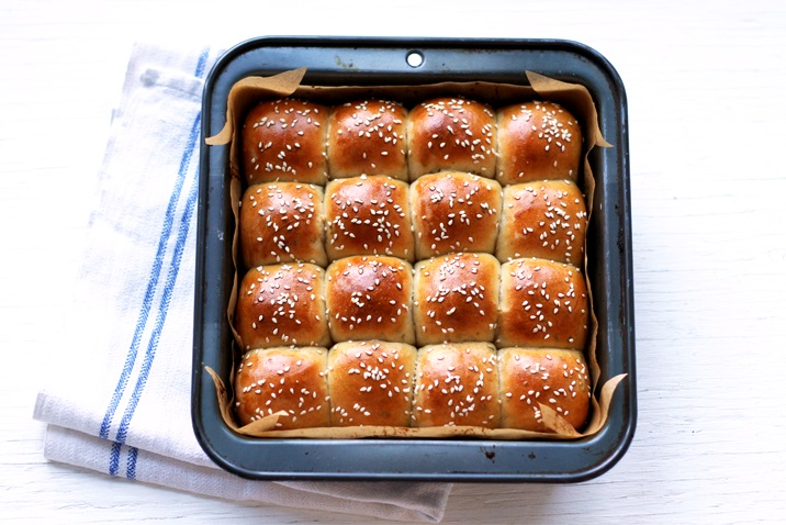 Recipe for Thanksgiving Dinner Rolls with Brown Butter