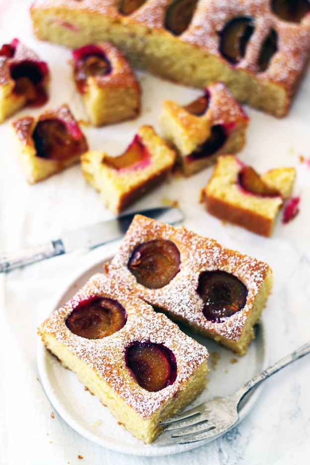 easy fluffy plum cake recipe from Austria