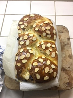 A fluffy homemade brioche zopf made by user christina using a lilvienna recipe